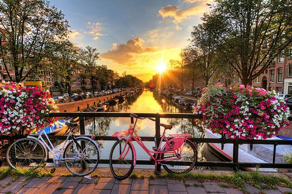 Amsterdam: Khám phá xứ sở thần tiên trên chiếc xe đạp cổ