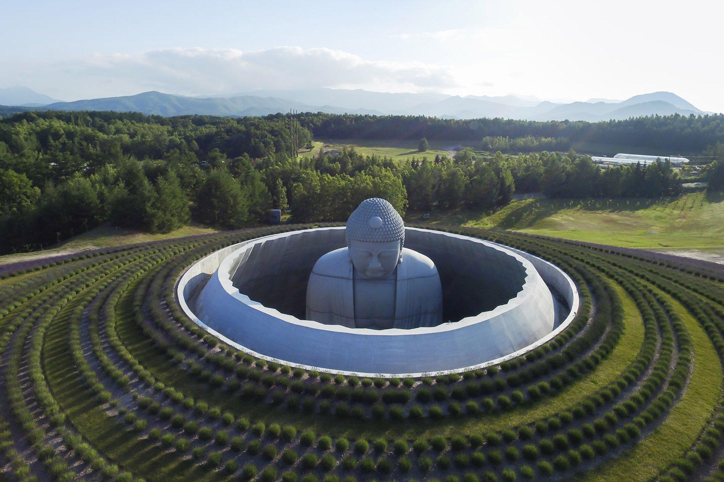 Viếng thăm ngọn đồi của Đức Phật tại Sapporo